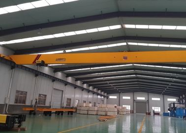 1 Ton Sampai 20 Ton Girder Overhead Crane EOT Crane Dengan Model CD Hoisting Mechanism